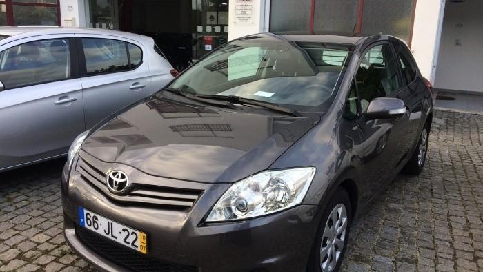 Toyota Auris 4-4D
