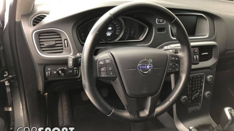 Volvo V40 Cross Country D2