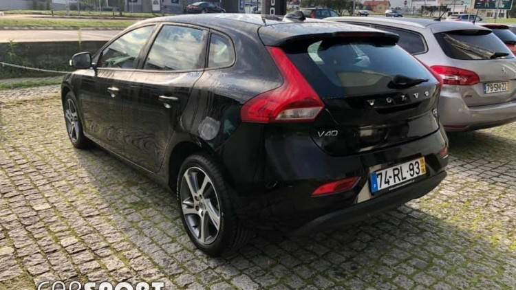 Volvo V40 D2 2.0 Kinetic Geartronic