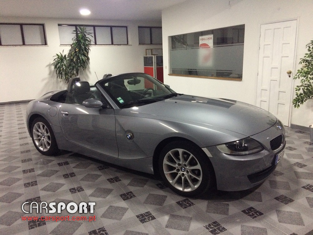 bmw s rie z z4 cabrio stand carsport. Black Bedroom Furniture Sets. Home Design Ideas